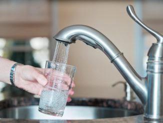 Microplastica nell'acqua potabile